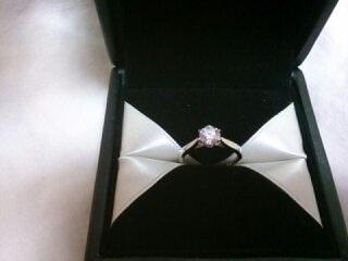 【エクセルコダイヤモンド(EXELCO DIAMOND)の口コミ】 大きさよりも質の良さにこだわりたかったので、ダイヤモンド専門の鑑定士さ…