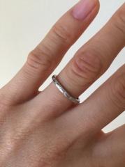 【4℃(ヨンドシー)の口コミ】 婚約指輪を4°Cで購入していたので、婚約指輪と結婚指輪を重ね付…