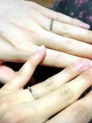 【銀座ダイヤモンドシライシの口コミ】 シンプルで品のある細身のデザインの指輪を探していました。 左上から右下…