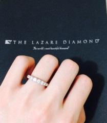 【ラザール ダイヤモンド(LAZARE DIAMOND)の口コミ】 一般的な結婚指輪のデザインと比べ、個性のある指輪(ゴージャス感のあるダ…