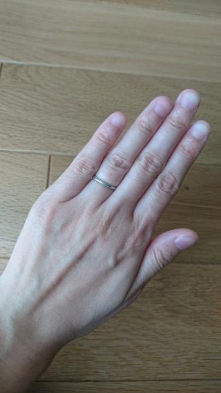 【4℃(ヨンドシー)の口コミ】 妻の希望で、プラチナのシンプルないわゆる「ザ・結婚指輪」という感じのも…