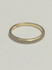 【Satomi Kawakita Jewelryの口コミ】 華奢なデザインで普段から着けられるもの、結婚指輪とも重ねづけが出来る…