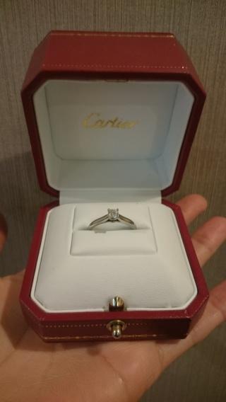【カルティエ(Cartier)の口コミ】 私が婚約指輪がほしいとわがままを言ったら、本当に買ってきてくれました。…