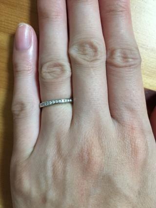 【ティファニー(Tiffany & Co.)の口コミ】 昔からティファニーの結婚指輪にずっと憧れていました。 プラチナのハーフ…