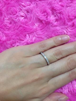 【ティファニー(Tiffany & Co.)の口コミ】 ダイヤがレールに挟まれていない「シェアド プロング セッティング」と悩…