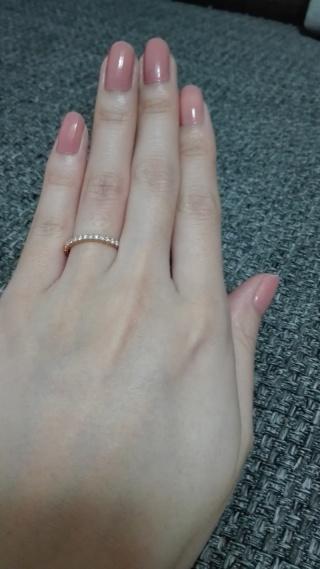 【カルティエ(Cartier)の口コミ】 姉の婚約指輪を見てデザインはこれ!と決めていました。 ピンクゴールドに…