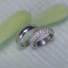 【Houte Couture Jewelry KIKUI Bridal】【お客様の想いをカタチにします  世界にたった一つだけの記念のリング】完全フルオーダーで、素敵な想いを大切なリングにします。 K18WGダイヤ入リング&K18WGリング