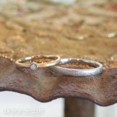 【鎌倉彫金工房(かまくらちょうきんこうぼう)】【ふたりでつくる結婚指輪】メンズK18WG&レディースK18YG(マット仕上げ)