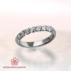 【JKPlanet(JKプラネット)】【杢目金屋】プラチナにメレダイヤモンドが輝くゴージャスな婚約指輪