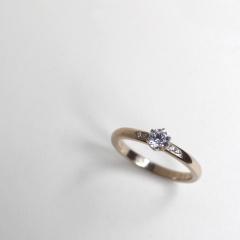 【mina.jewelry(ミナジュエリー)】ダイヤモンドのエンゲージリング