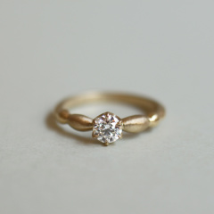 【mina.jewelry(ミナジュエリー)】ぽこぽこエンゲージリング