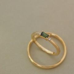【mina.jewelry(ミナジュエリー)】グリーントルマリンの結婚指輪