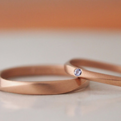 【mina.jewelry(ミナジュエリー)】同じようで少し違うマリッジリング