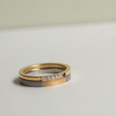 【mina.jewelry(ミナジュエリー)】お二人だけにわかるお揃いのマリッジリング