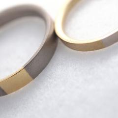 【mina.jewelry(ミナジュエリー)】2色のマリッジリング
