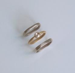 【mina.jewelry(ミナジュエリー)】雰囲気ぴったりなセットリング