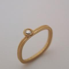 【mina.jewelry(ミナジュエリー)】マルシカクのエンゲージリング