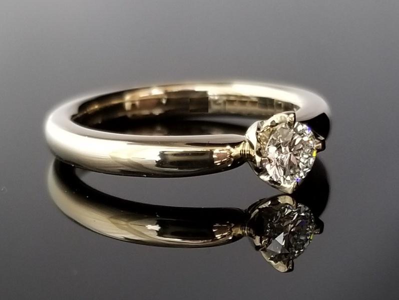 【TANZO(タンゾウ)】可愛いフォルムのご婚約指輪
