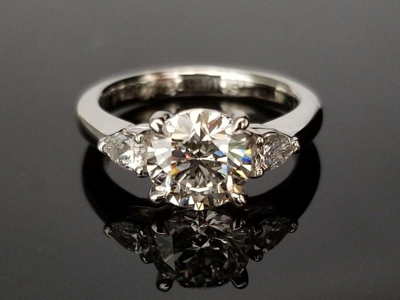 【TANZO(タンゾウ)】圧巻の1.2ctダイヤモンドエンゲージリング