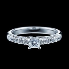 【エクセルコダイヤモンド(EXELCO DIAMOND)】《Engagement Ring 331》