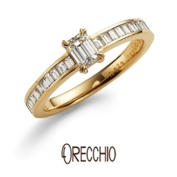 【ORECCHIO(オレッキオ)】<monaco~モナコ> ME-1003 縦向きに配したバゲットカットの繊細な輝きがエレガントな婚約指輪