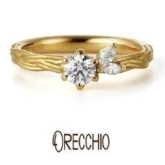 【ORECCHIO(オレッキオ)】ヴィーヴォ~サイドのマーキスカットダイヤが花に寄りそう葉のようキュートなデザイン