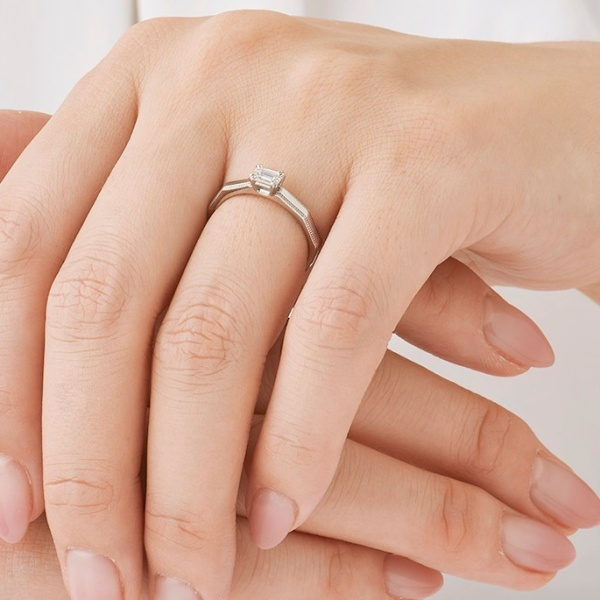 【ORECCHIO(オレッキオ)】<safari~サファリ>婚約指輪 FE-1204
