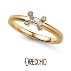 【ORECCHIO(オレッキオ)】<pipi>ダイヤを留める爪に4ピースのダイヤを乗せ大人可愛い遊び心ある婚約指輪