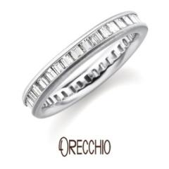 【ORECCHIO(オレッキオ)】<monaco> バゲットダイヤを縦向けに配して控えめな輝きが魅力のエタニティー