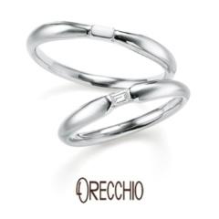【ORECCHIO(オレッキオ)】<pipi> 中央の絞られところにバゲットダイヤがポイントになっている結婚指輪