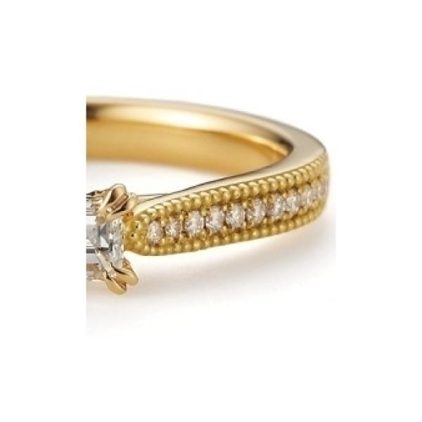 【BIJOUPIKO(ビジュピコ)】フランキンセンス~サイドのメレダイヤとミル打ちが華やかな印象の婚約指輪
