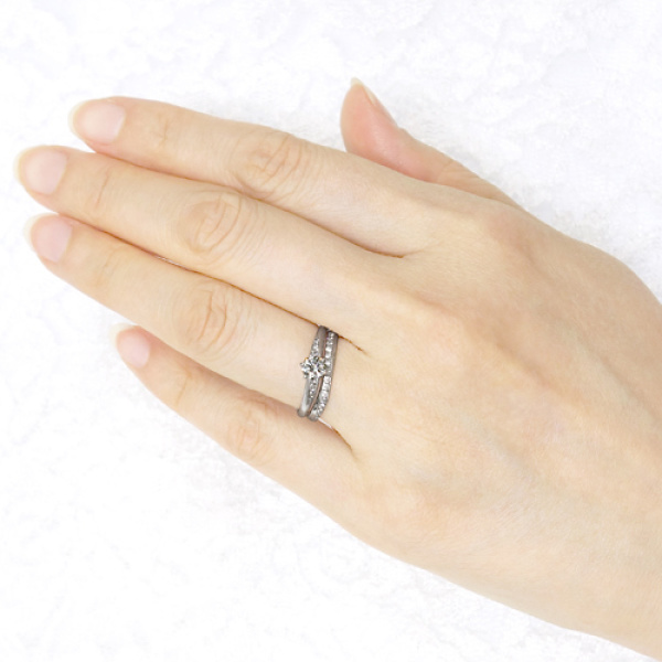 【宝寿堂(ほうじゅどう)】【宝寿堂】柔らかな曲線に沿ったダイヤが華やか《HM2588l/HD2588sa》