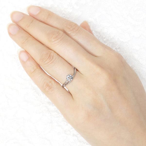 【宝寿堂(ほうじゅどう)】【宝寿堂】華奢で繊細なアームに一粒ダイヤを咲かせて《HE2361》