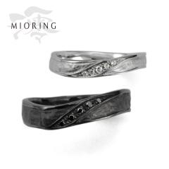 【MIORING(ミオリング)】MIORING 陽溜 -ひだまり- 流れるような和紙とブラックの存在感