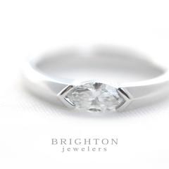 Marquise  Diamond  Ring  [マーキストカット ダイヤモンド]