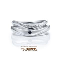 【カオキ ダイヤモンド専門卸直営店 】ウエーブとV字のバランスが絶妙【シンデレラ】