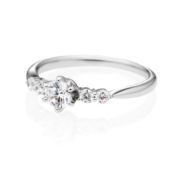 【BRILLIANCE+(ブリリアンスプラス)】PT900 リンピード ダイヤモンド サイドストーン リング 0.3ct