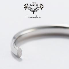 【BROOCH(ブローチ)】インセンブレは、なめらかな着け心地で長く身につける結婚指輪にはぴったりです!