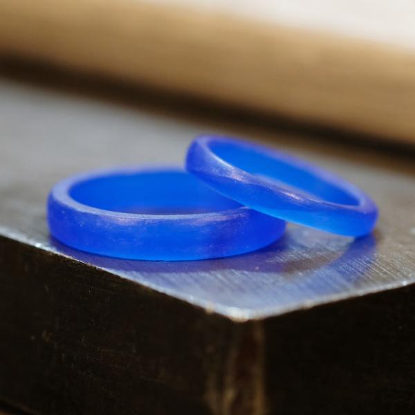 【サロン・ド・ルシェル】【手作り】ミル打ちとサファイヤの結婚指輪