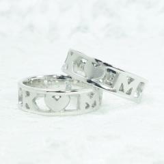 【ATELIER Hu・lala(アトリエ・ウララ)】【二人で手作り結婚指輪】二人のイニシャルとハートを透かし模様で表現!