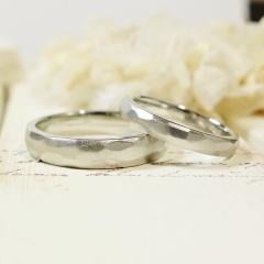 【ATELIER Hu・lala(アトリエ・ウララ)】【二人で手作り結婚指輪】自然の神秘を感じさせる人気の鎚目模様