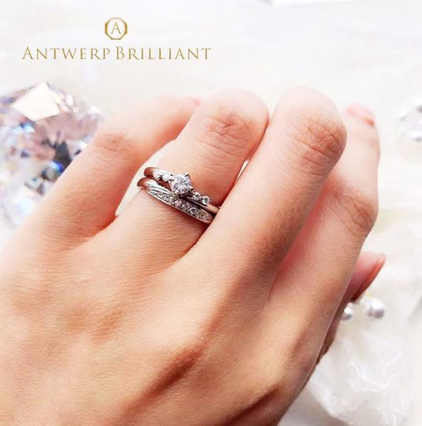 """【BRIDGE ANTWERP BRILLIANT GALLERY(ブリッジ・アントワープ・ブリリアント・ギャラリー)】""""Spica"""" 4 side melee Diamond Line Ring """"スピカ"""" 4 サイド メレー ダイヤモンド ライン リング"""