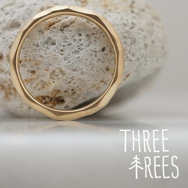【THREE TREES(スリーツリーズ)】お互いに思うがままに削った爽やかな印象の結婚指輪