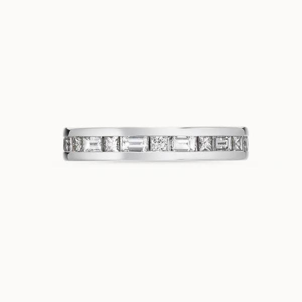 【acredo(アクレード)】【dum vivimus vivamus】プリンセスとバゲット。交互に四角いダイヤを並べた贅沢な指輪