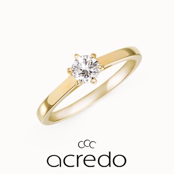【acredo(アクレード)】定番デザインの地金の色をイエローゴールドに変えて個性的な仕上がりに