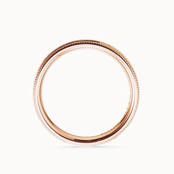【acredo(アクレード)】コニャックブラウンのダイヤモンドとミル打ちがクラシカルでエレガントなデザイン