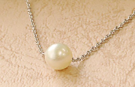 ☆ご予約来店特典☆「アコヤ本真珠のプチネックレス」プレゼント♪