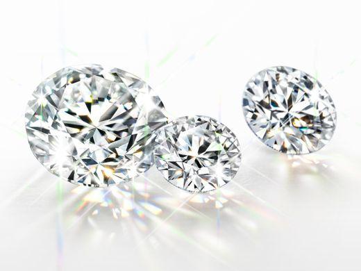 世界の鑑定システムが最高評価と認めたダイヤモンドのケイウノが生み出す輝き