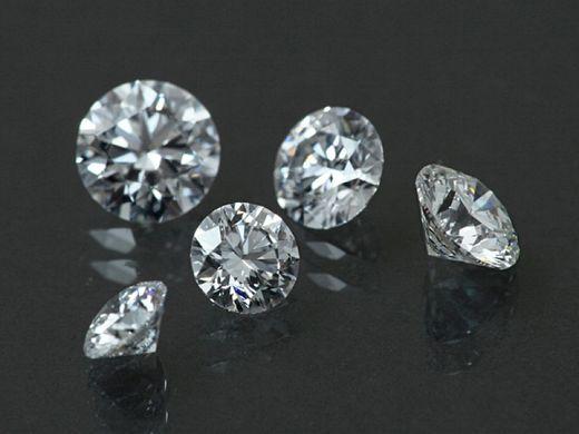 ★海外一流ブランドも使用している【GIA鑑定レーザーマーク入りダイヤモンド】も続々入荷!