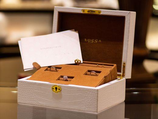 セットリングご購入のお客様に、鍵付きの豪華ジュエリーBOXプレゼント